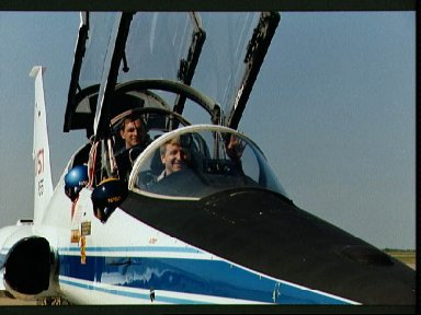 STS-38 Pilot Culbertson in T-38A prior to Ellington departure