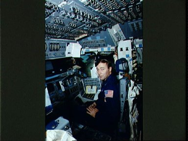STS-37 Mission Specialist (MS) Ross during simulation in JSC's FB-SMS