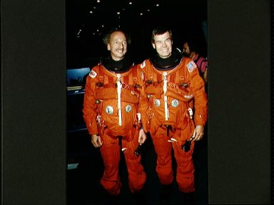 STS-45 crew and backup payload specialist in LESs prior to JSC egress training