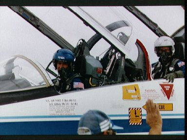 STS-44 Pilot Henricks and PS Hennen in T-38A prior to Ellington departure
