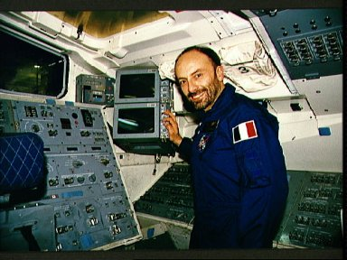 STS-46 Payload Specialist Malerba at aft flight deck controls in JSC mockup