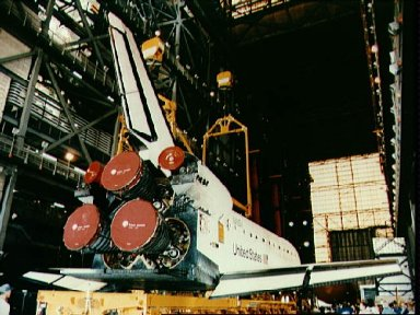 STS-51 preparation: ACTS, ORFEUS, Discovery in VAB