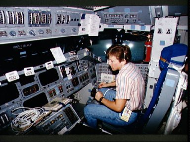 Astronaut Wendy Lawrence participates in training session in the CCT