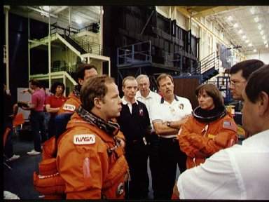 STS-71 astronauts and cosmonauts during egress training