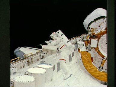 Astronaut Story Musgrave during STS-6 EVA
