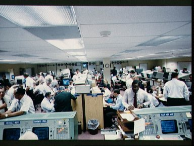 JSC MCC Mission Evaluation Room (MER) activity during STS-26