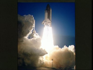 STS-32 Columbia, OV-102, liftoff from KSC LC Pad 39A