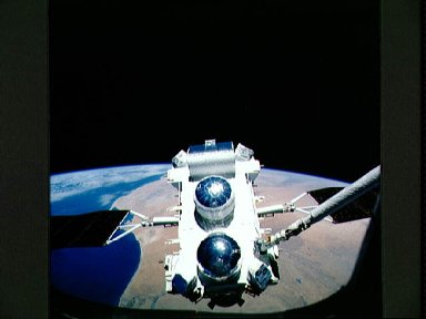 STS-37 Gamma Ray Observatory (GRO) grappled by RMS