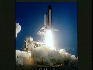 STS-39 Discovery, Orbiter Vehicle (OV) 103, lifts off from KSC LC Pad 39A