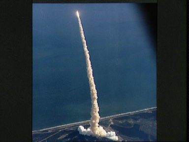 Air-to-air view of STS-42 Discovery, OV-103, after liftoff from KSC LC Pad