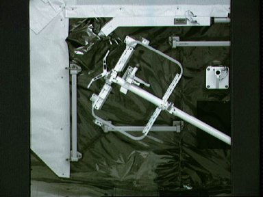 STS-48 UARS Airborne Support Equipment (UASE) in OV-103's payload bay (PLB)