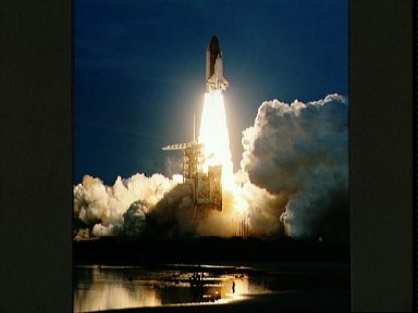 STS-48 Discovery, Orbiter Vehicle (OV) 103, lifts off from KSC LC Pad 39A