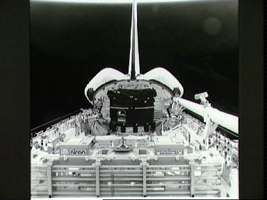 STS-49 onorbit payload bay (PLB) configuration aboard OV-105 taken by ESC