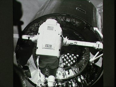 STS-49 MS Thuot during EVA attempts to grapple INTELSAT VI using capture bar