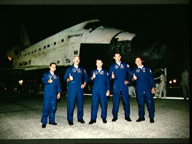STS-51 Discovery crew during post-landing at KSC