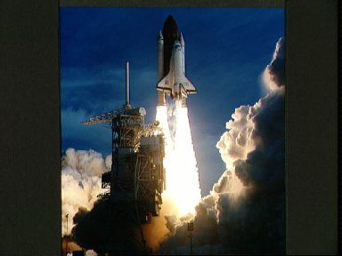 STS-54 Endeavour, Orbiter Vehicle (OV) 105, lifts off from KSC LC Pad 39B