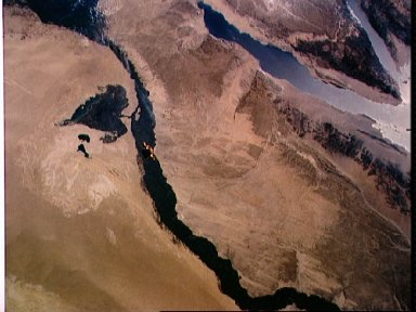 STS-56 view of freeflying SPARTAN-201 and Earth observation of Nile River,Egypt