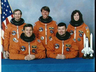 STS-56 Discovery, OV-103, Official crew portrait