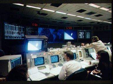 Mission control activity during STS-61 EVA-2