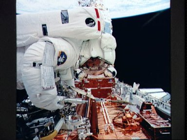 Astronaut Kathryn Thornton during servicing of HST