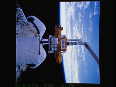 Pre-deploy operations with SPARTAN-201 during STS-64