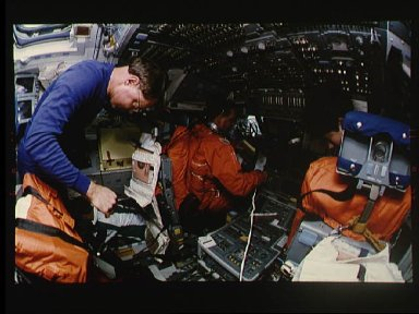 STS-64 crew prepare to de-orbit and complete extended mission
