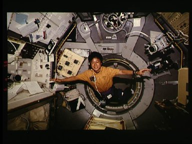 STS-65 Payload Specialist Mukai enters IML-2 spacelab module aboard OV-102