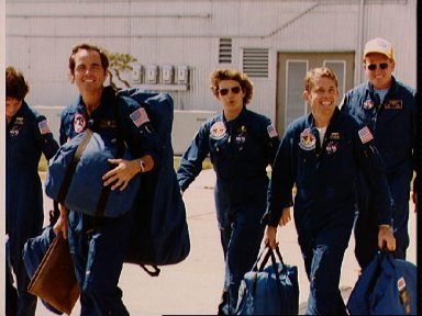 STS 41-G crew prepares to leave for KSC