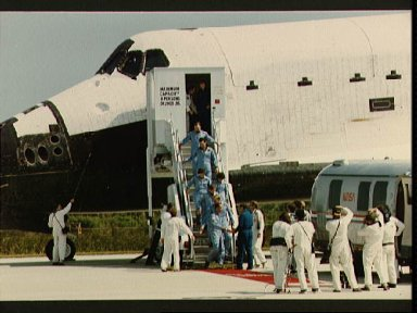 STS 41-G crew leaves orbiter after landing at Kennedy Space Center
