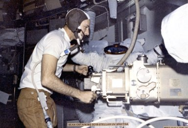 Skylab-3 Mission Onboard Photograph - Astronaut Bean working on Experiment S019