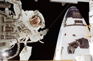 STS-113 Astronaut Herrington Performs Third Scheduled Space Walk