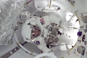 STS-104 Astronaut Reilly Performs EVA