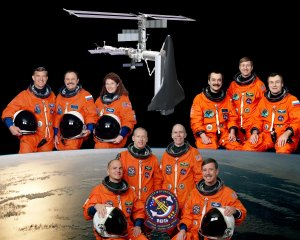 STS-105 Mission Crew Portrait