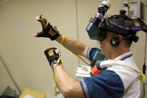 STS-118 Astronaut Dave Williams Trains Using Virtual Reality Hardware