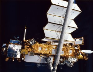 STS-48 Onboard Photo: Upper Atmosphere Research Satellite (UARS)