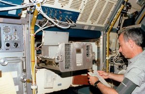 STS-50 USML-1, Onboard Photo