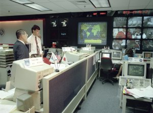 NASDA President Communicates With Japanese Crew Member Aboard the STS-47 Spacelab-J Mission