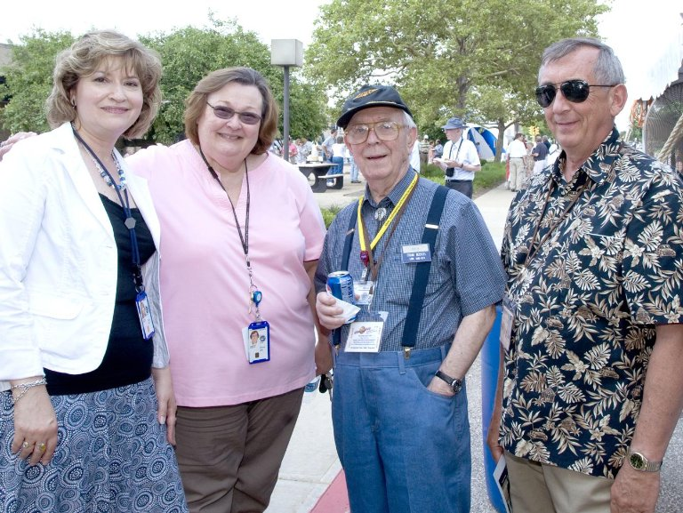 Retirees and Employees Gather for Reunion and Picnic