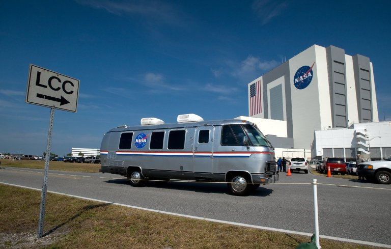 Crew Trip to Launch Pad / STS-125 Mission