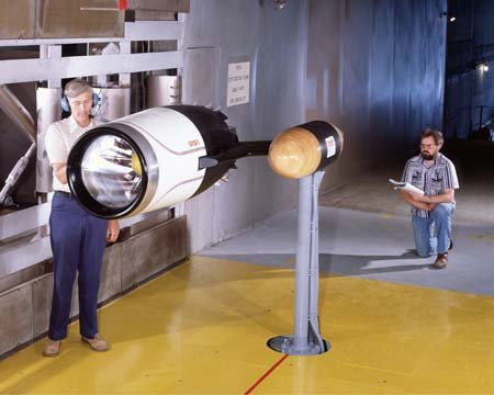 LEWIS 20 NONBLOWING INLET MODEL IN THE 9X15 FOOT WIND TUNNEL
