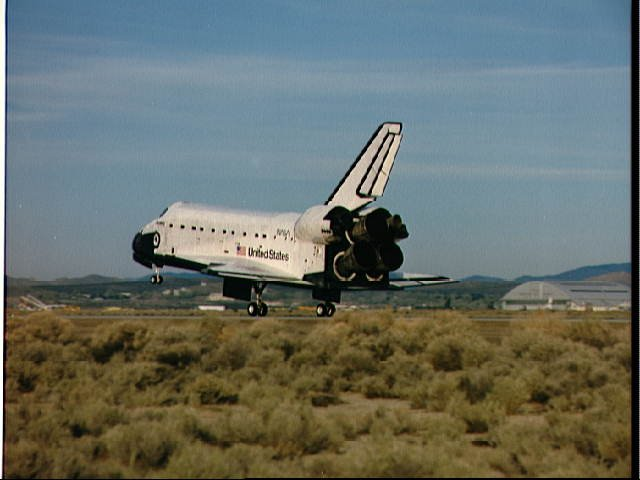 STS-29 Discovery, OV-103, lands on Edwards AFB concrete runway 22