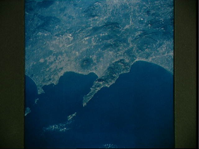 Mt. Vesuvius and Naples, Italy as seen from STS-58