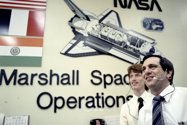 Huntsville Operations Support Center (HOSC) Spacelab Payload Operations Control Center (SL POCC) Activities During STS-51B Spacelab-3 Mission