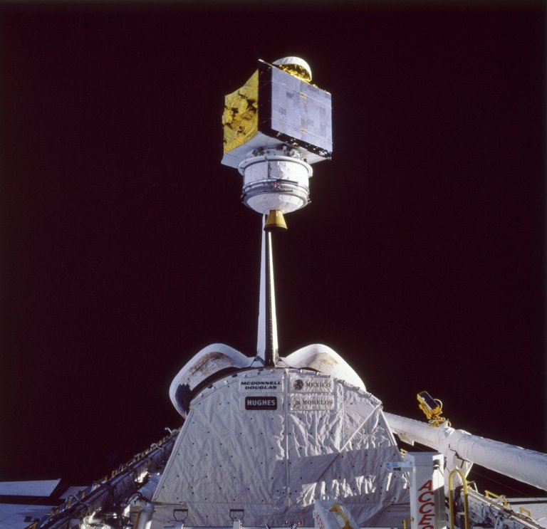 STS-61B Mission Onboard Photograph
