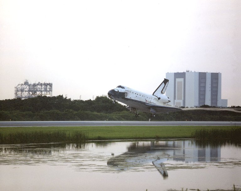 Space Shuttle Columbia (STS-52) landing