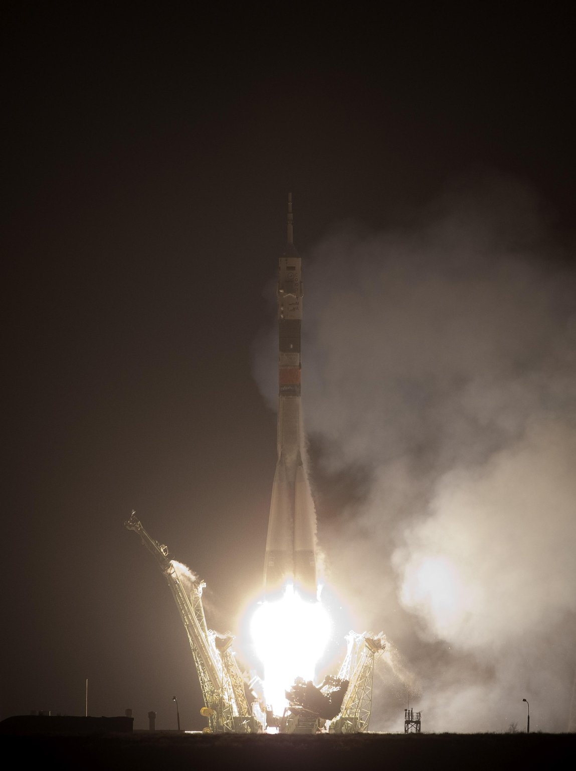 Expedition 22 Lifts Off