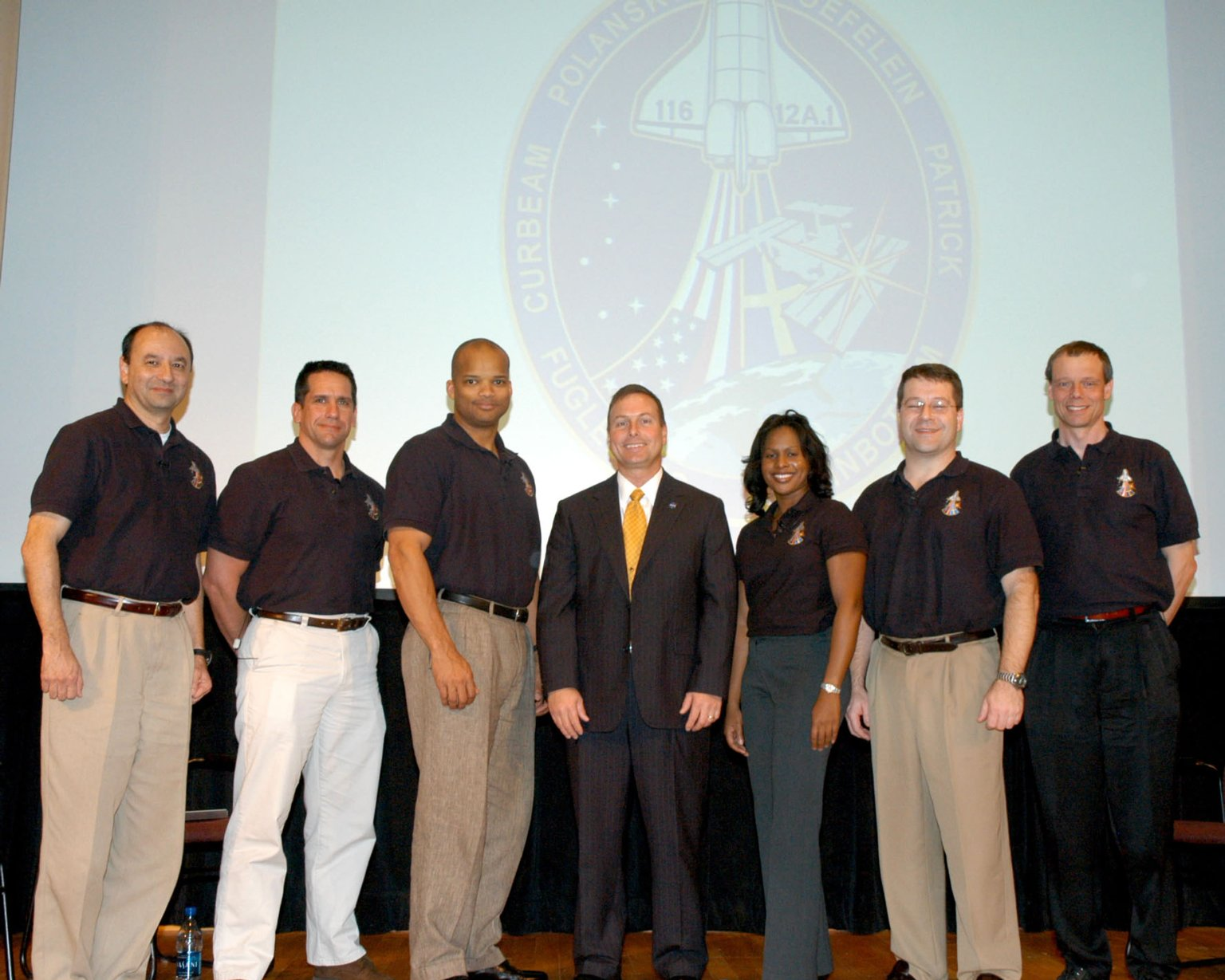STS-116 crew visits SSC