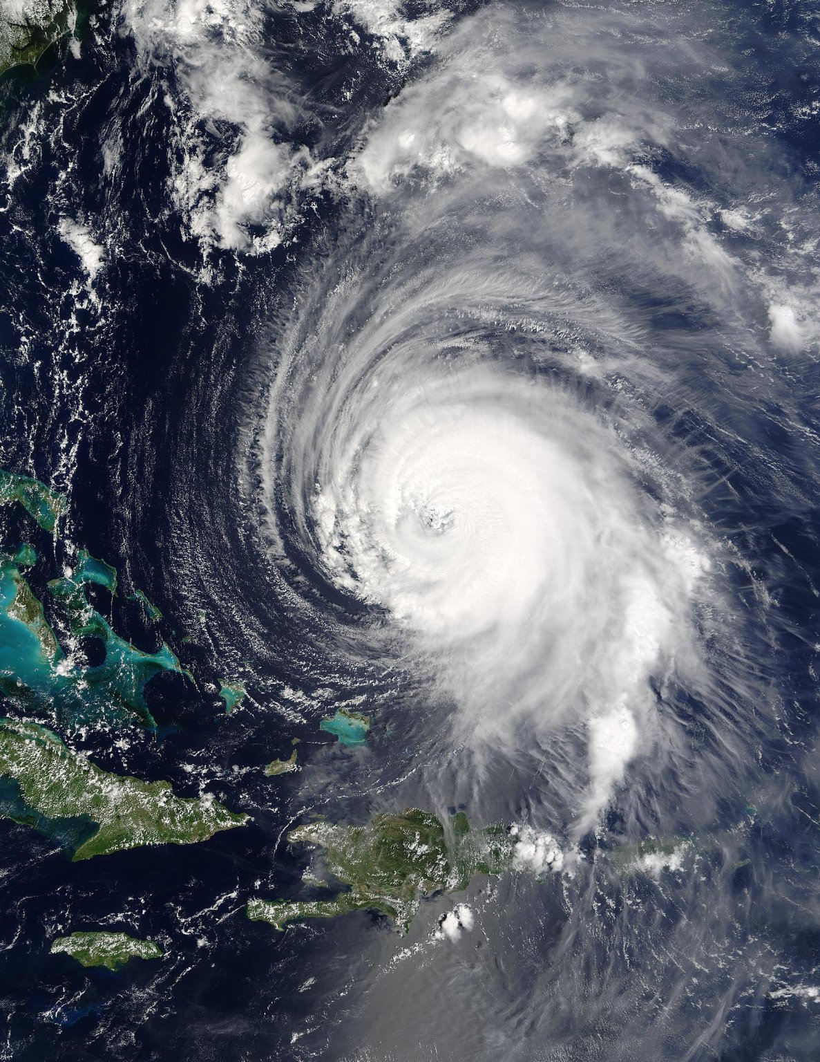 Hurricane Isabel Approaches