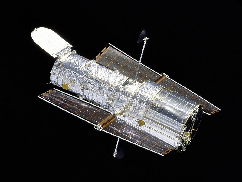 Hubble Uncovers a Hidden Quasar in a Nearby Galaxy (Cygnus A)