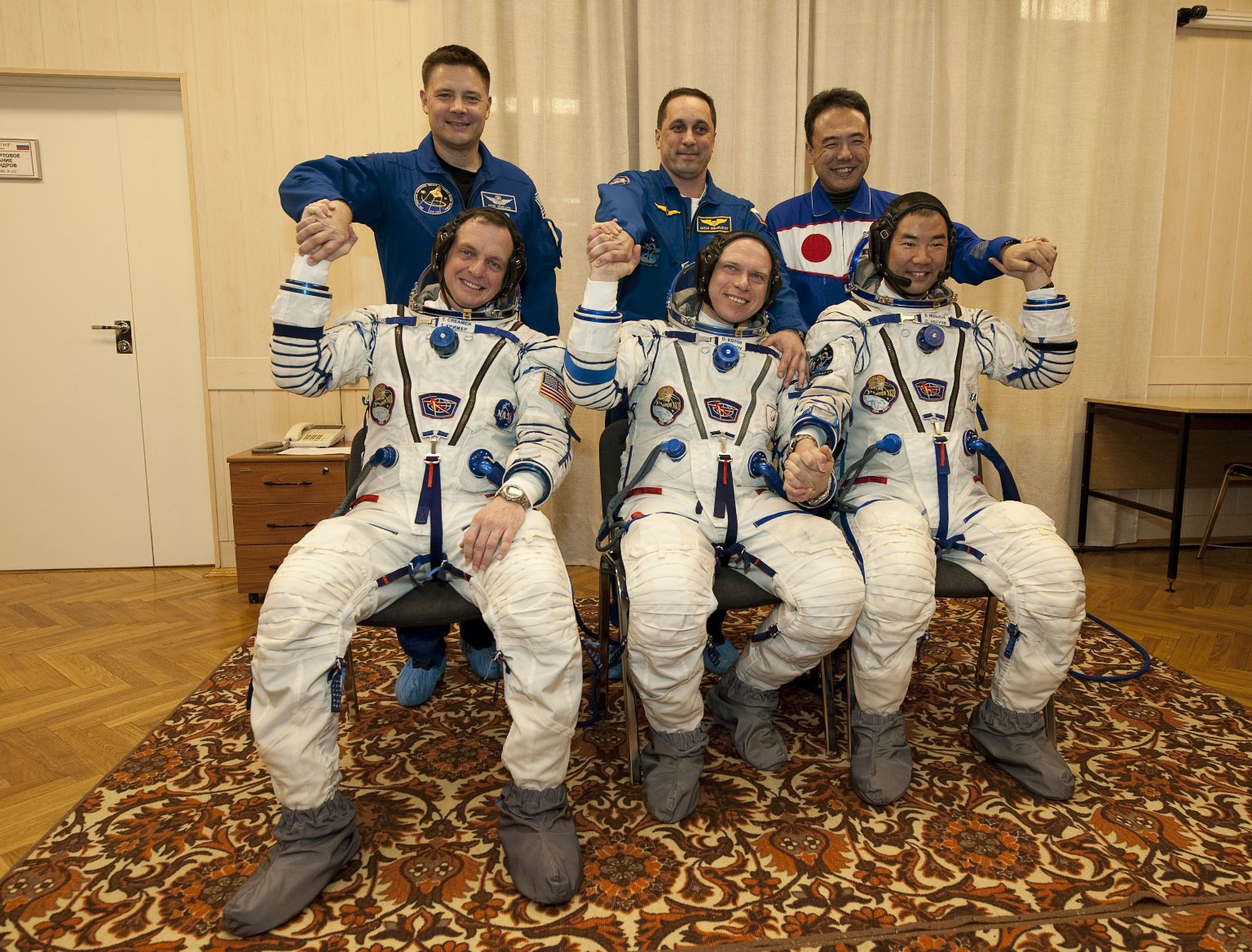 Expedition 22 Suitup
